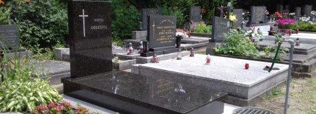 Szimpla síremlékek